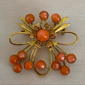 VINTAGE Brooch Gold and Coral